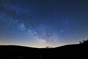 Milky-Way-with-Saturn-in-Sc